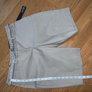 🌪🌪Beige Bermuda Shorts 🌪🌪
